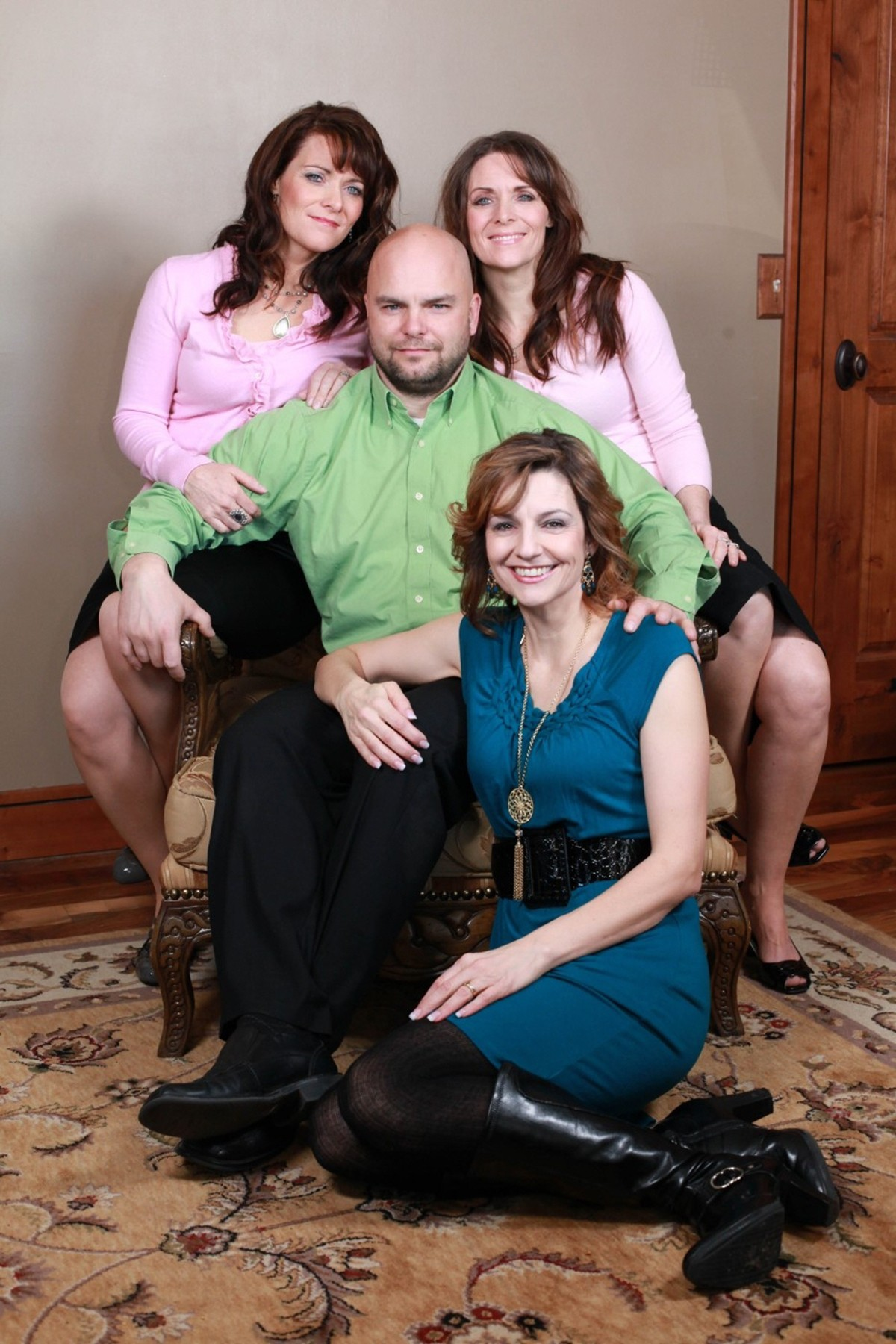 00-mormon-with-three-wives-05-12.jpg