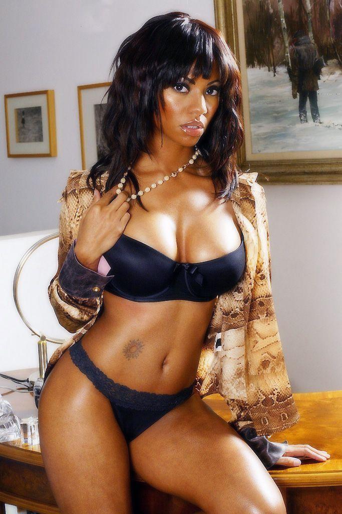 88b425c90a94511286984e6644e1a7fb--woman-photography-erotic-photography.jpg
