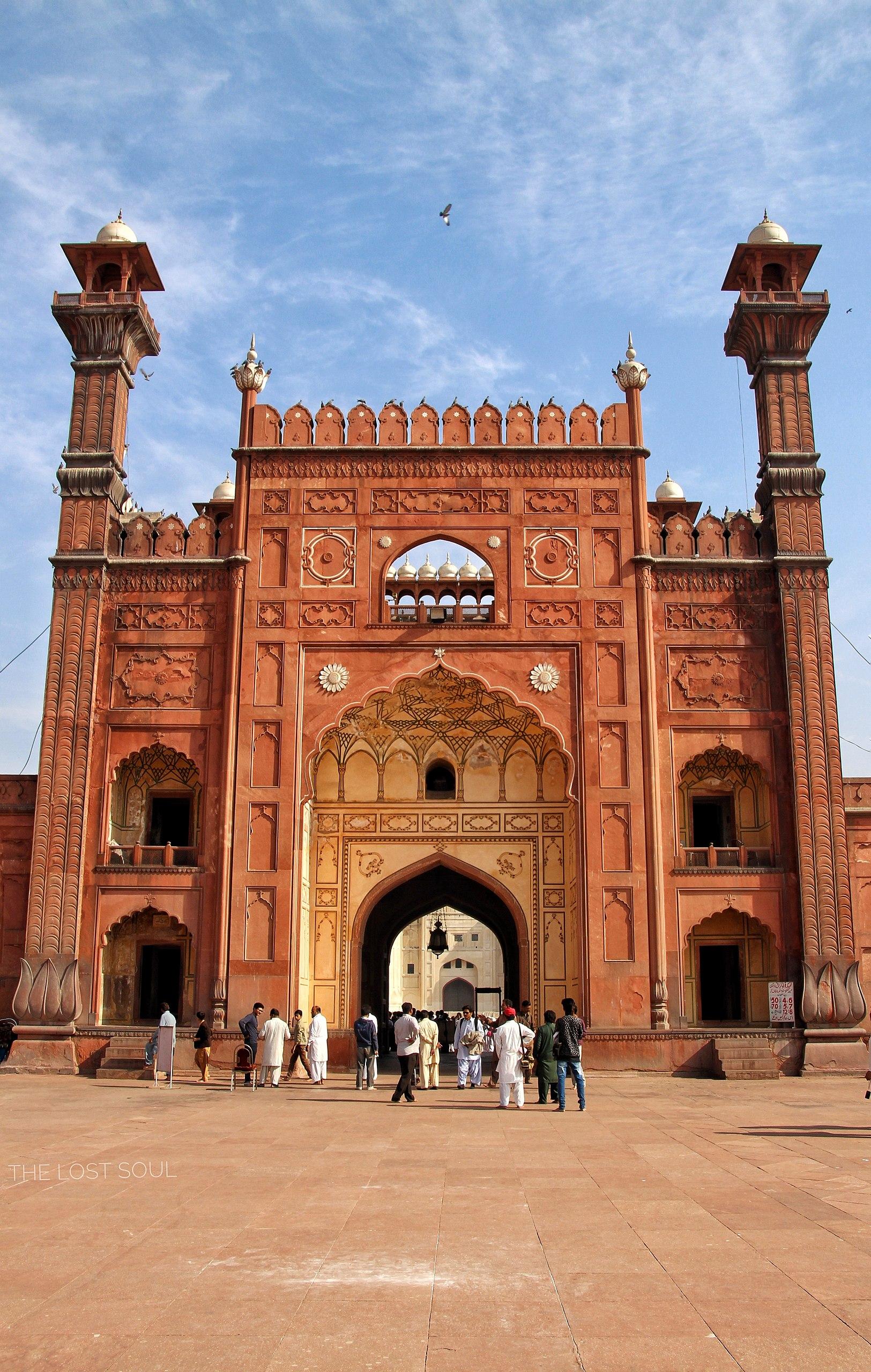 _1625px-Badshahi_Mosque_2C_Lahore_II_3083252252505783006.jpg