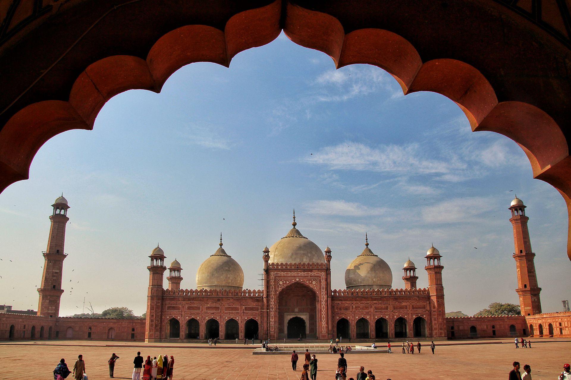 _1920px-Badshahi_Mosque_2C_Lahore_I_5102328363855997880.jpg