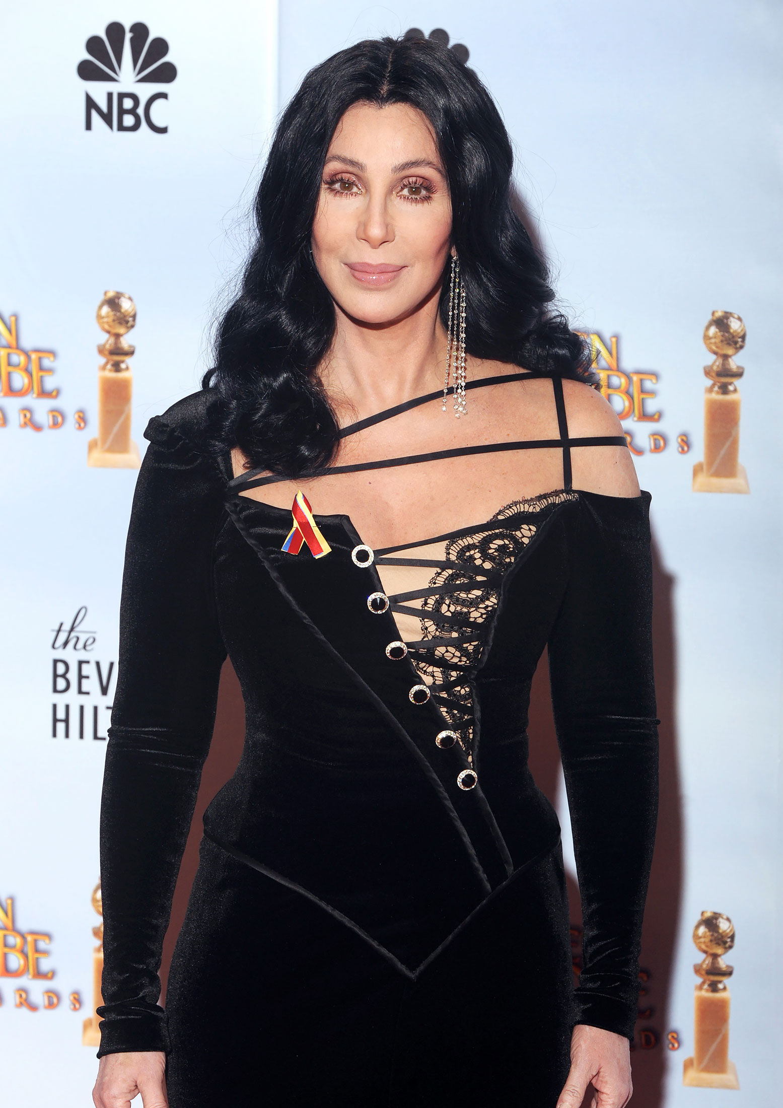 Look-Back-Cher-Most-Memorable-Fashion-Moments-Feature.jpg