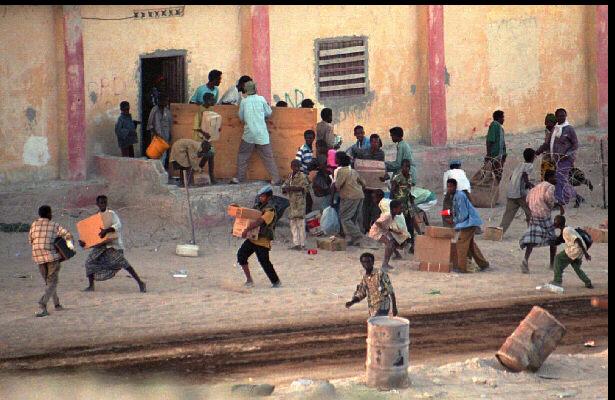 Somalis loot.jpg